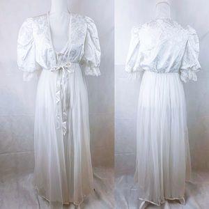 VTG White Floral Print Bridal Negligee Robe Set